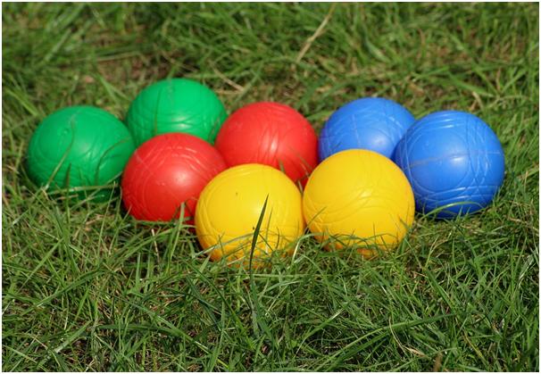 bocce ball lawn